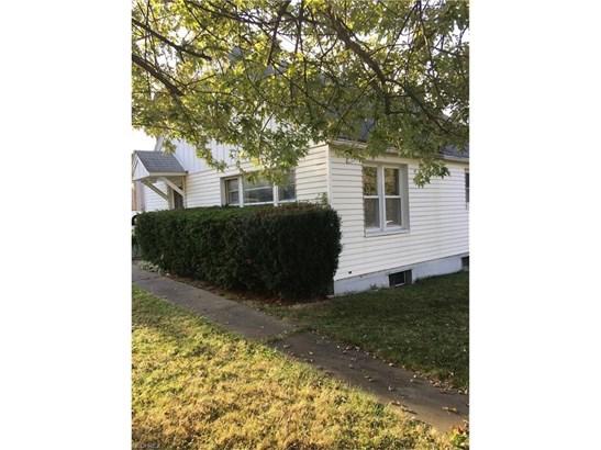 709 Robinson Ave, Barberton, OH - USA (photo 1)