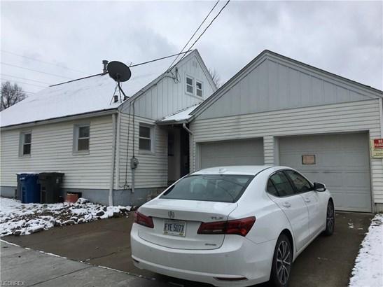 709 Robinson Ave, Barberton, OH - USA (photo 4)