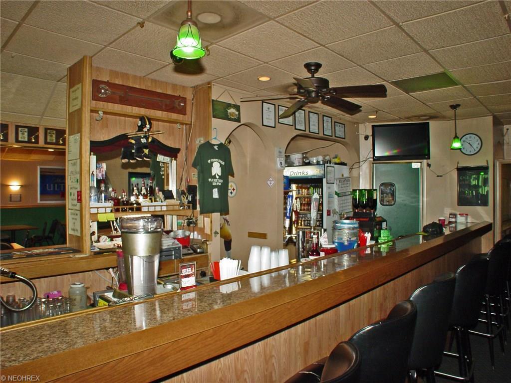 3027 Main St, Weirton, WV - USA (photo 3)