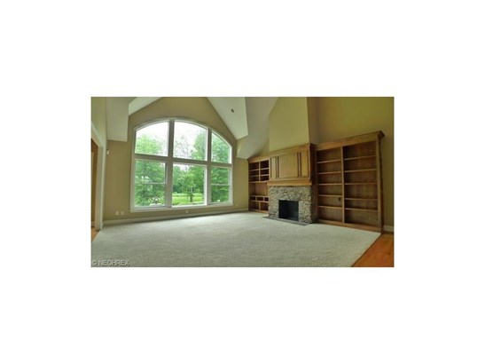7460 Royal Portrush Dr, Solon, OH - USA (photo 2)