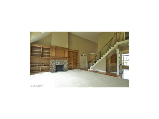 7460 Royal Portrush Dr, Solon, OH - USA (photo 3)