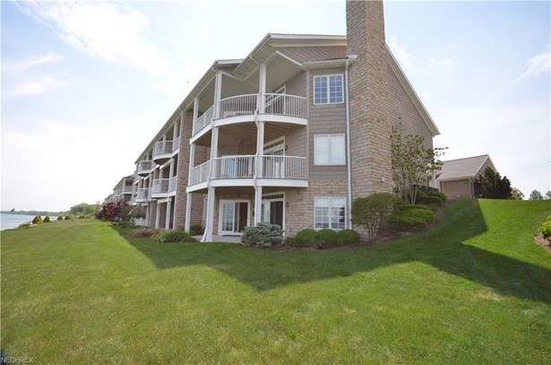 3088 Whispering Shores Dr, Vermilion, OH - USA (photo 1)