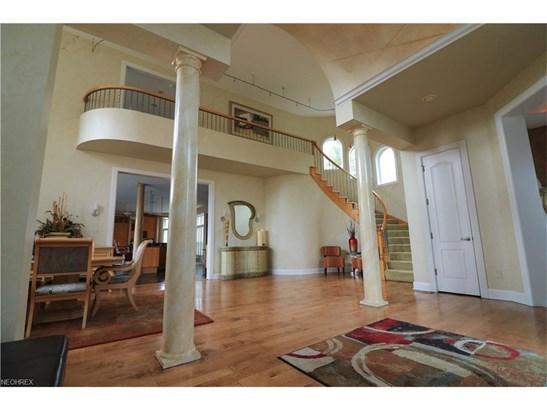 4551 Hunting Valley Ln, Brecksville, OH - USA (photo 2)