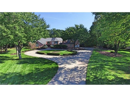 5801 Rosecliff Dr, Lorain, OH - USA (photo 2)
