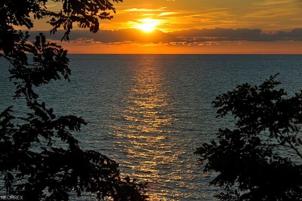 17838 Lake Rd, Lakewood, OH - USA (photo 2)