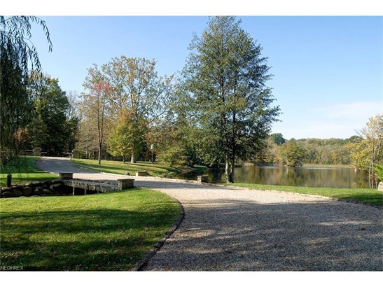 41777 Burton Trail, Hunting Valley, OH - USA (photo 2)