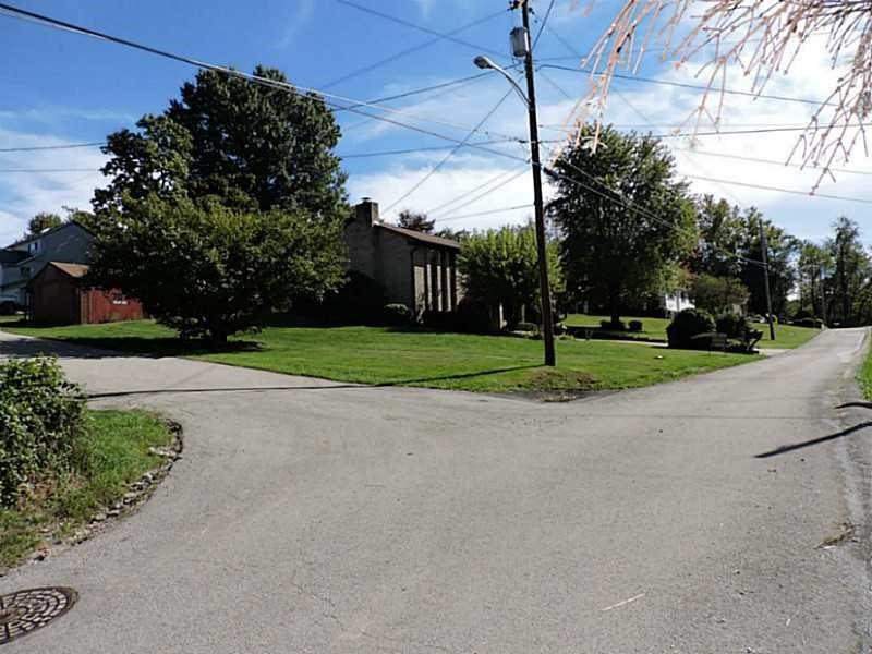 707 7th Ave, Sutersville, PA - USA (photo 4)