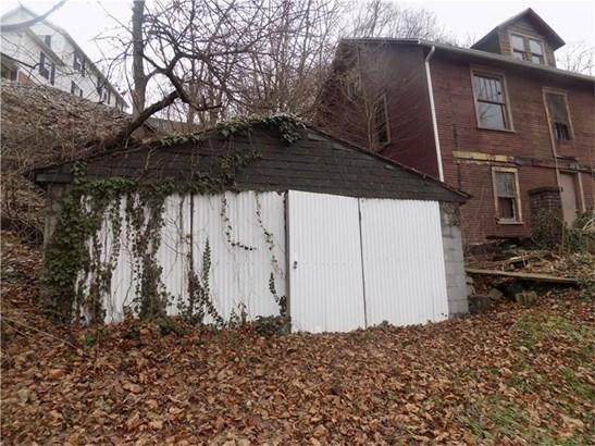 414 East Vandergrift Lane, East Vandergrift, PA - USA (photo 2)