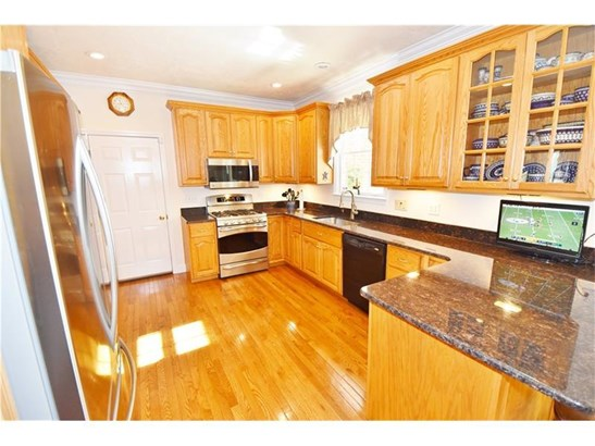 1112 Woodland Place, Natrona Heights, PA - USA (photo 5)