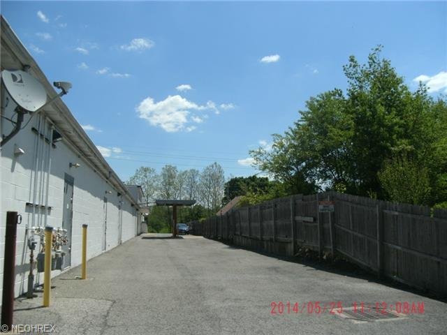 196 Mccartney Rd, Youngstown, OH - USA (photo 3)