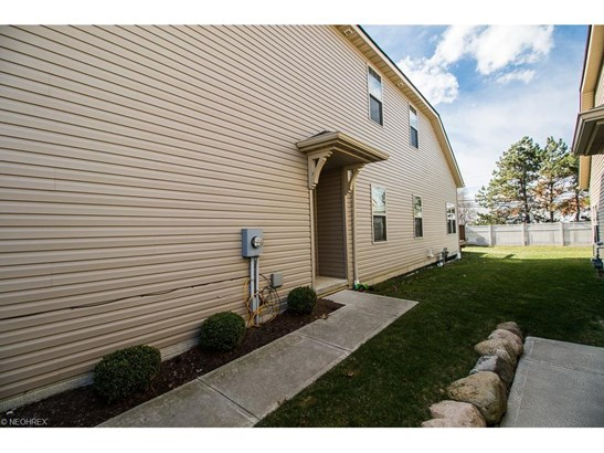 320 Lakewick Ln, Willowick, OH - USA (photo 2)