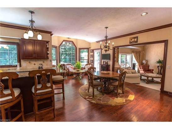 6515 Chagrin River Rd, Bentleyville, OH - USA (photo 3)