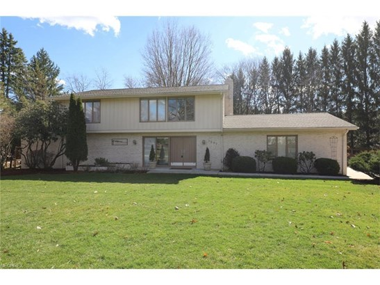 1297 Stonington Dr, Youngstown, OH - USA (photo 1)