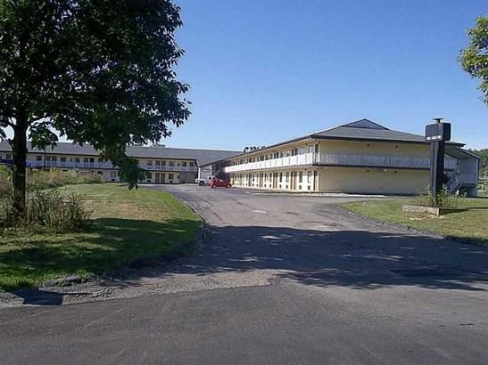 100 Kisow Dr., Crafton, PA - USA (photo 1)