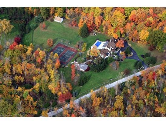 1220 Fox Hill Dr, Gates Mills, OH - USA (photo 3)