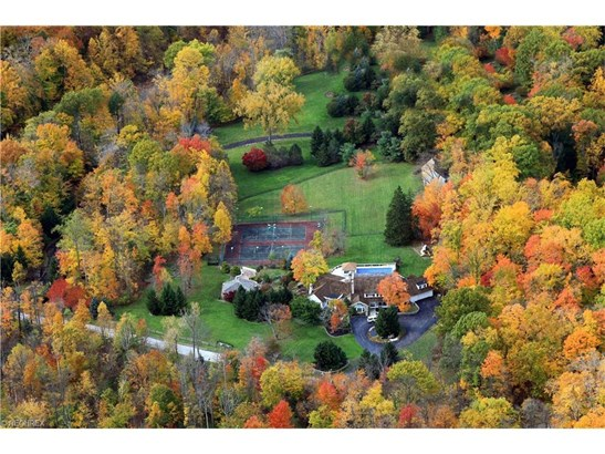 1220 Fox Hill Dr, Gates Mills, OH - USA (photo 4)