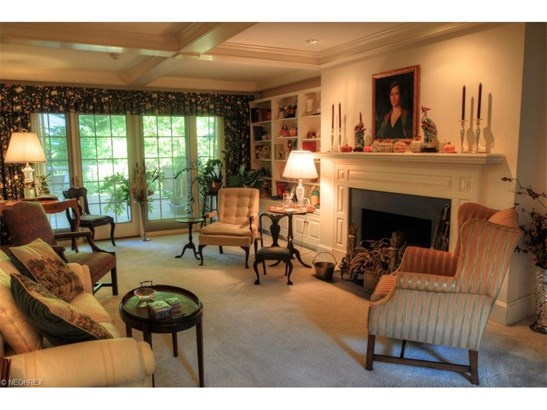 9780 Mountainview Dr, Willoughby, OH - USA (photo 4)