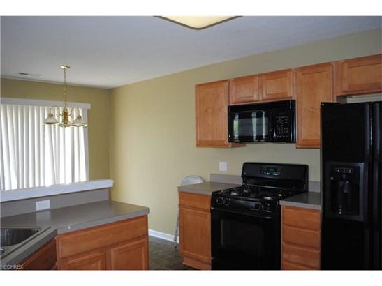 1663 Laughton Cir, Broadview Heights, OH - USA (photo 3)