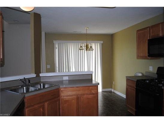 1663 Laughton Cir, Broadview Heights, OH - USA (photo 4)
