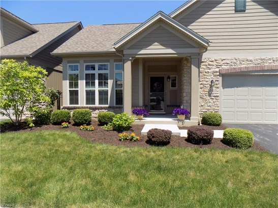 581 Quarry Lakes Dr, Amherst, OH - USA (photo 1)