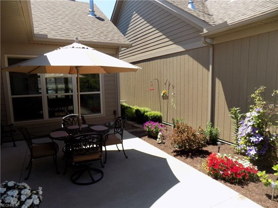 581 Quarry Lakes Dr, Amherst, OH - USA (photo 5)