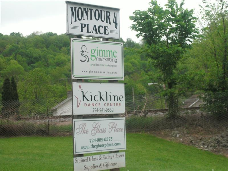- Montour 4 Place, Cecil, PA - USA (photo 2)