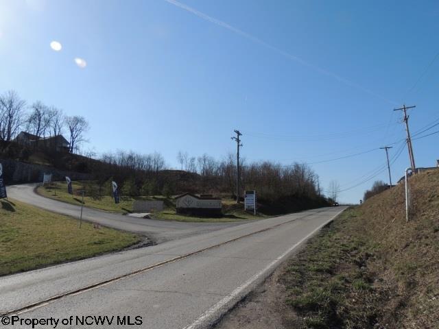 420 Dupont Road, Westover, WV - USA (photo 3)
