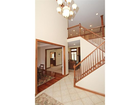 2564 Crane Creek Pky, Brecksville, OH - USA (photo 3)
