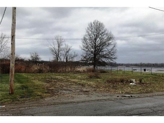 2399 Lakeside Dr, Lakemore, OH - USA (photo 5)