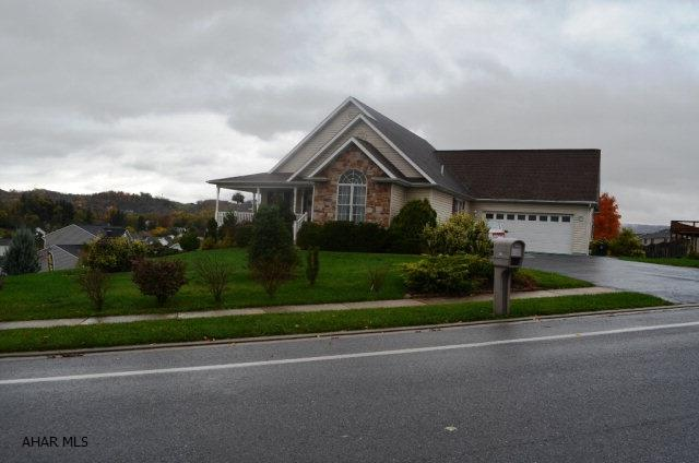 319 Quince Ct., Hollidaysburg, PA - USA (photo 1)