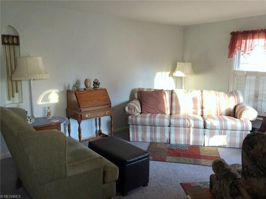 1037 Lloyd Rd, Wickliffe, OH - USA (photo 3)