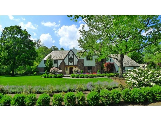 17445 Shelburne Rd, Cleveland Heights, OH - USA (photo 1)
