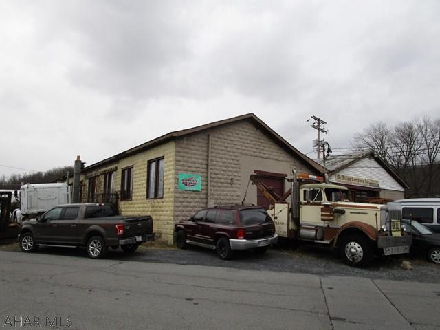 223 Railroad Street, Bedford, PA - USA (photo 2)