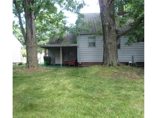 2176 Crescent Dr, Euclid, OH - USA (photo 2)