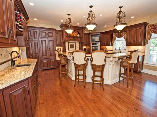 1006 Attilio Ct, Harrison City, PA - USA (photo 5)