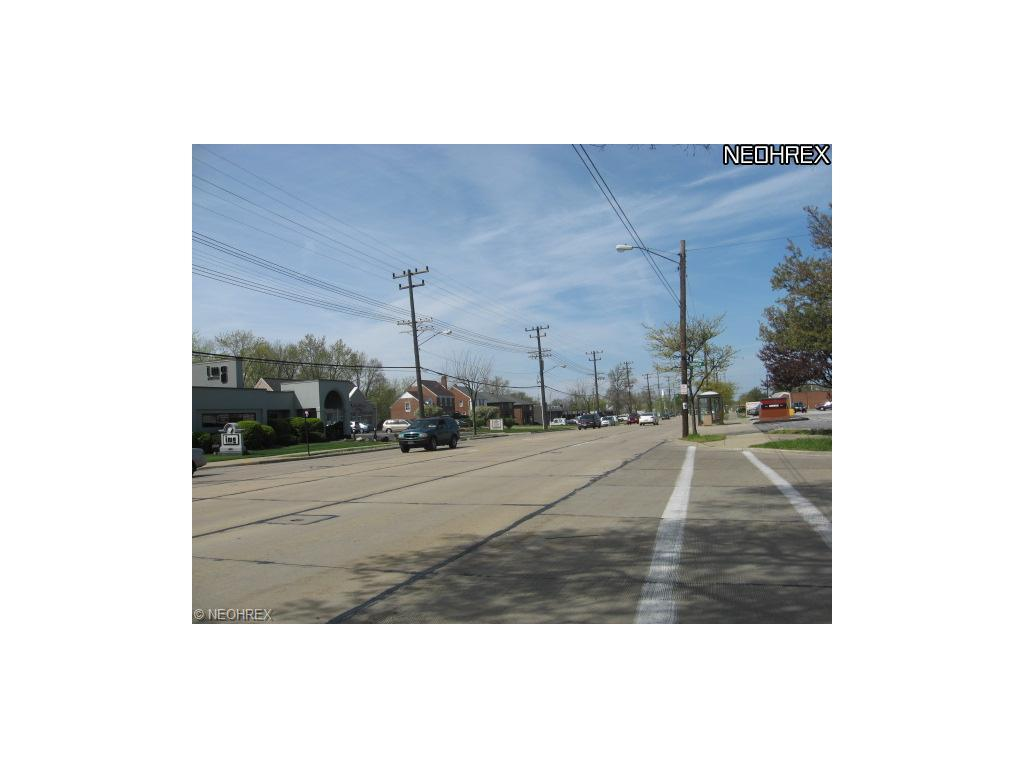 5487 Mayfield Rd, Lyndhurst, OH - USA (photo 2)