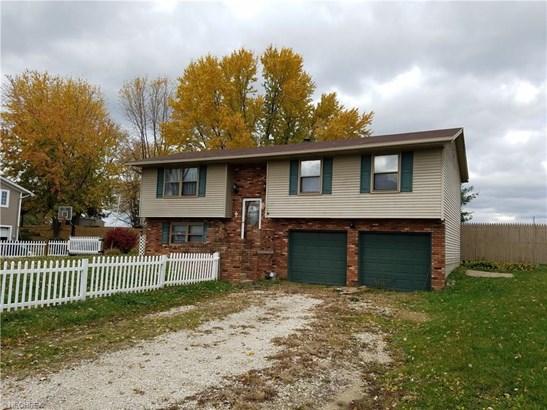 6221 Pondmere Ne Cir, Hartville, OH - USA (photo 1)