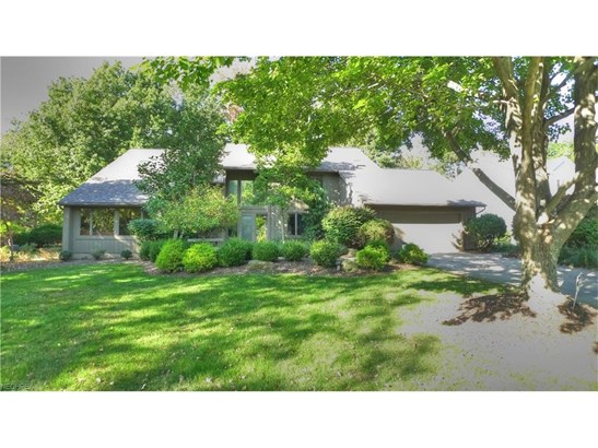 26701 Bernwood Rd, Beachwood, OH - USA (photo 1)
