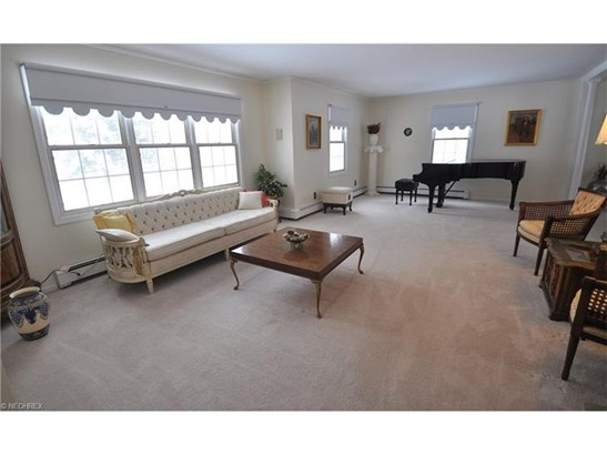 527 Riverview Rd, Gates Mills, OH - USA (photo 4)