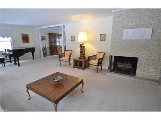 527 Riverview Rd, Gates Mills, OH - USA (photo 5)