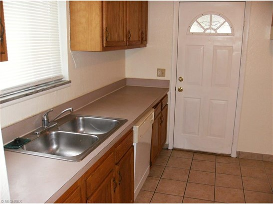 23901 Banbury Cir K10, Warrensville Heights, OH - USA (photo 2)