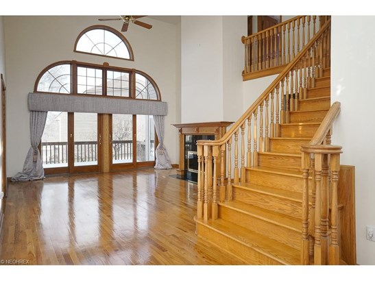 2209 Waters Edge Dr, Westlake, OH - USA (photo 3)