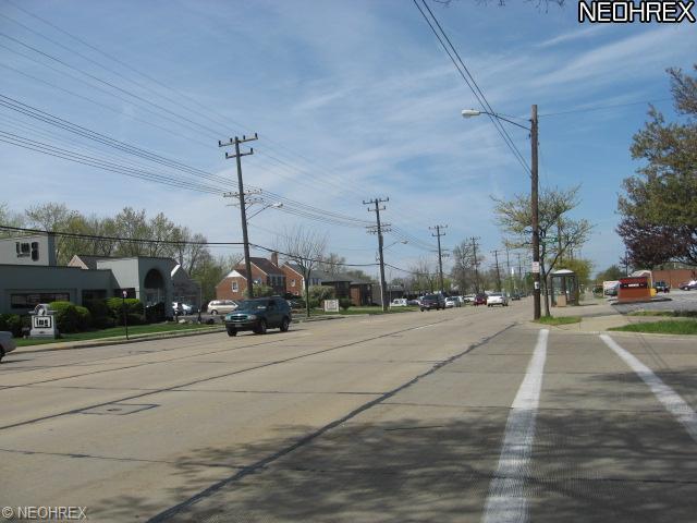 5487 Mayfield Rd, Lyndhurst, OH - USA (photo 3)