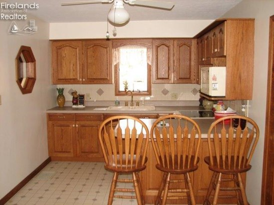 612 Timpe Rd, Fremont, OH - USA (photo 2)