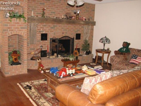612 Timpe Rd, Fremont, OH - USA (photo 4)