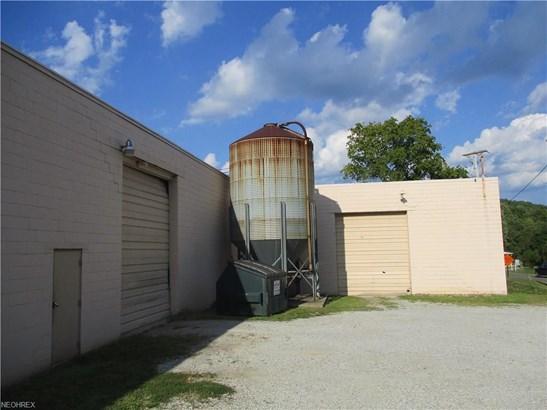 102 Barnhill Se Rd, New Philadelphia, OH - USA (photo 5)