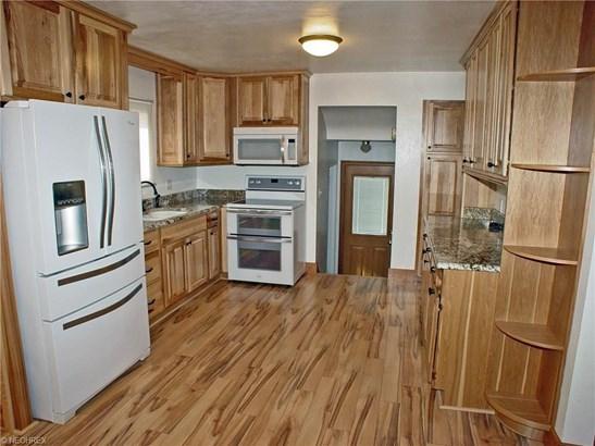 1765 Kings Creek Rd, Weirton, WV - USA (photo 5)