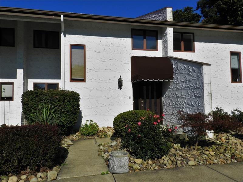 402 Casa Vita Drive, Hempfield, PA - USA (photo 1)