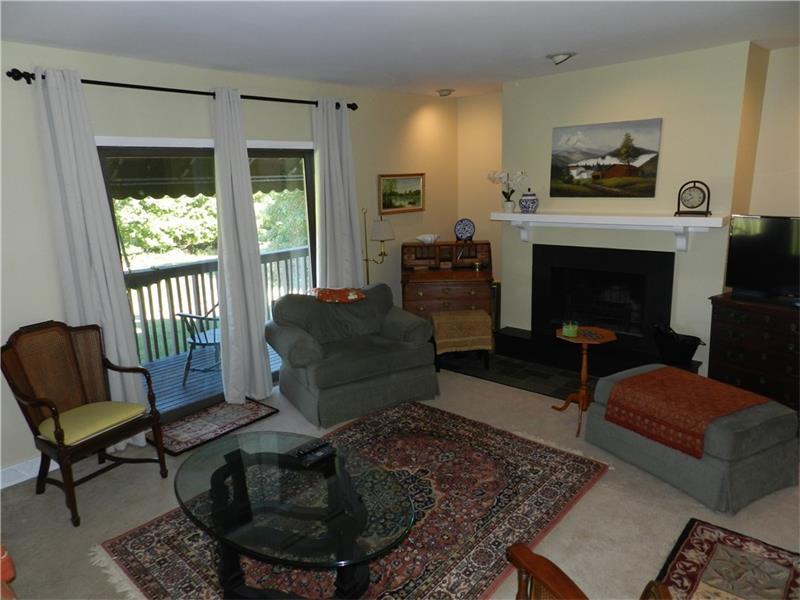 402 Casa Vita Drive, Hempfield, PA - USA (photo 4)