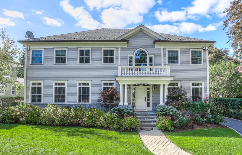 1 Minerva Place, Old Greenwich, CT - USA (photo 2)